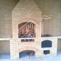 Барбекю с плитой под казан, столешницей из гранита, деревянные дверки из массива лиственницы 1 (2)