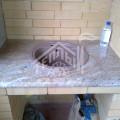 Барбекю с плитой под казан, столешницей из гранита, деревянные дверки из массива лиственницы 1 (5)