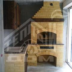 Угловое барбекю с деревянной мебелью (2)
