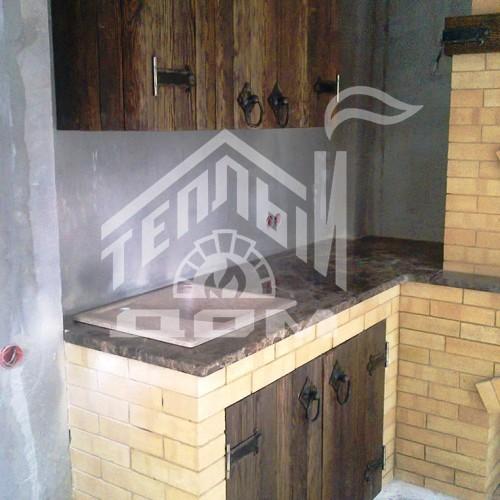 Угловое барбекю с деревянной мебелью (3)