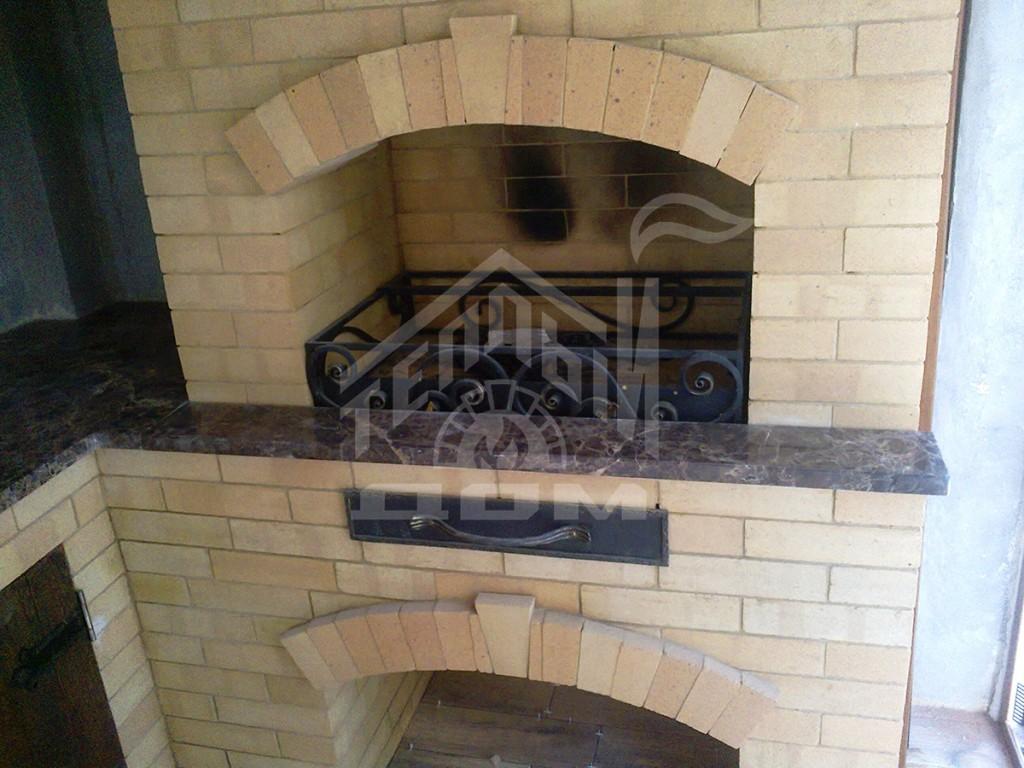 Угловое барбекю с деревянной мебелью (4)