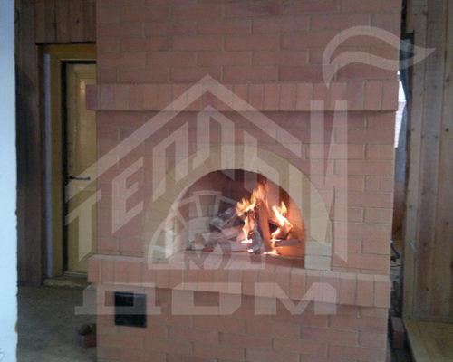 Печь русская с камином, вид состороны камина