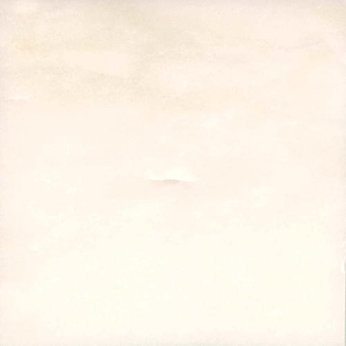 Мрамор Полевской, Цвет белый, с легким желтоватым оттенком